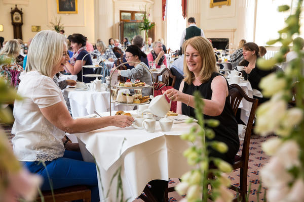 Image: Afternoon tea in the Pump Room