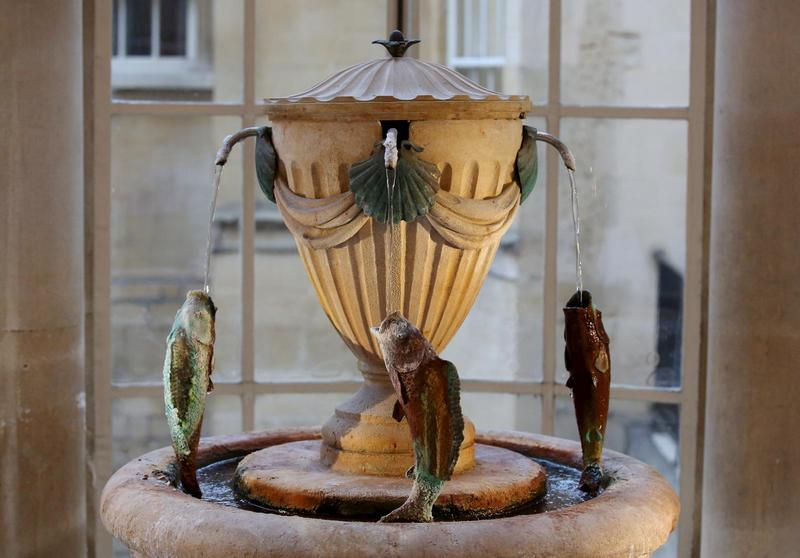 Image: Spa water fountain in the Pump Room