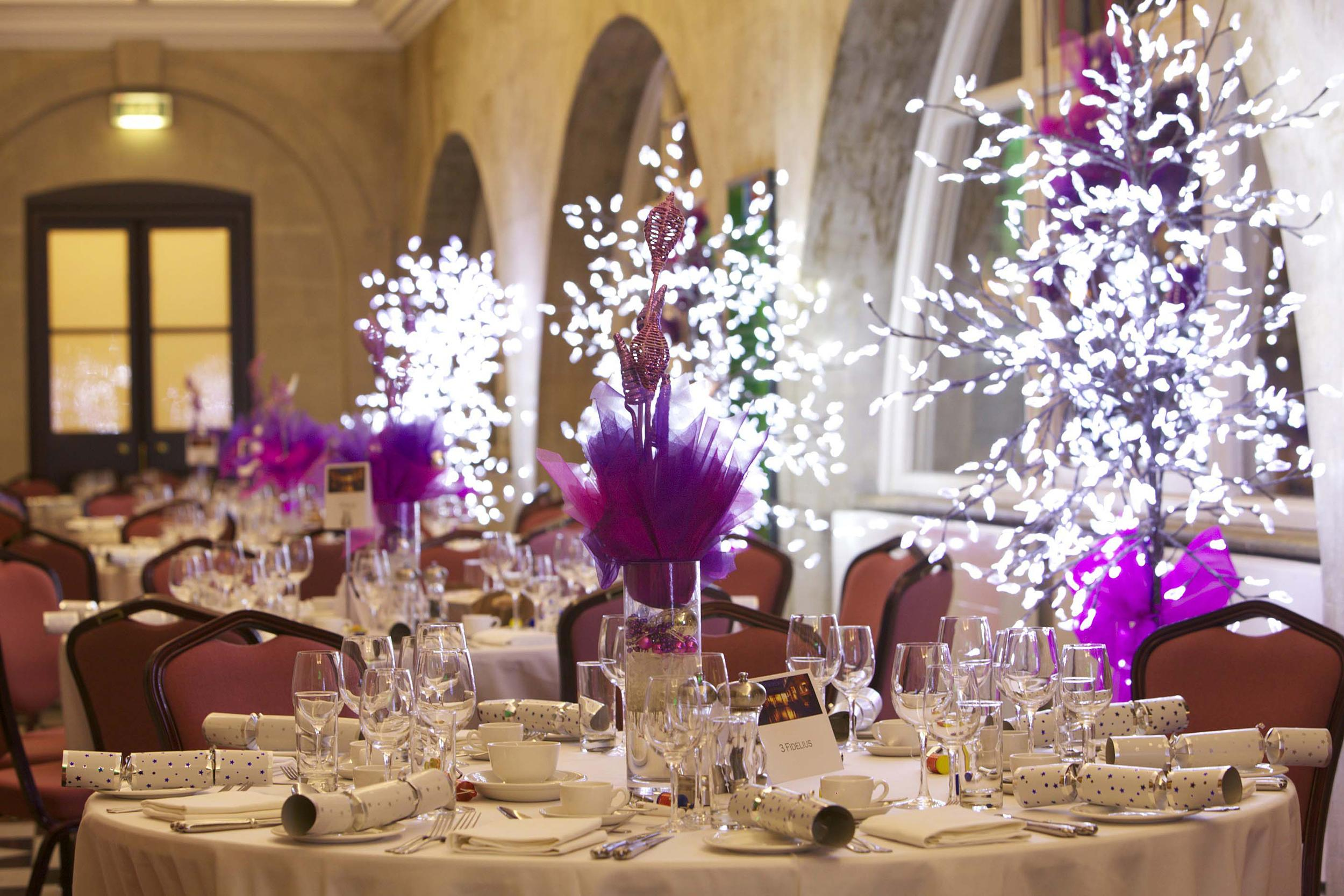 100 christmas parties bath 10 tips for surviving for Terrace party decoration