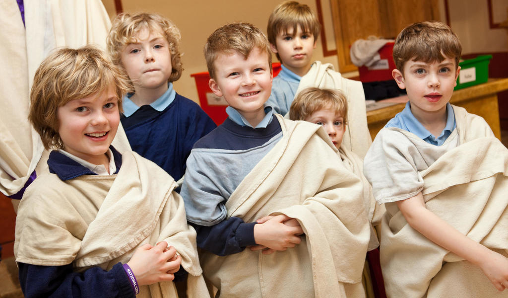 Image: Schoolchildren dressed as Romans