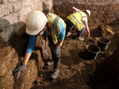 Image: Archaeologists at the Roman Baths