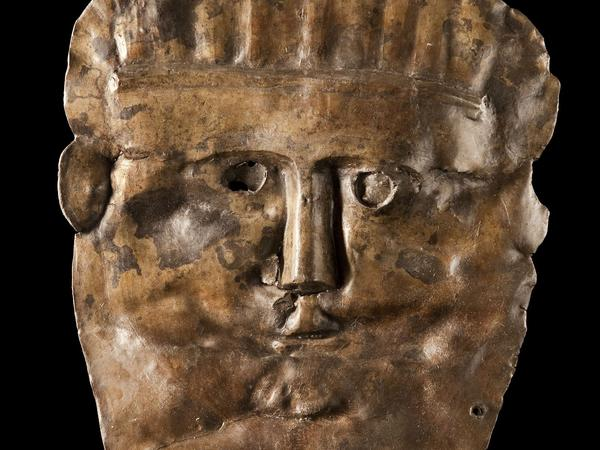 Image: Tin mask found in the Roman drain